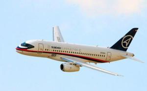Pesawat Sukhoi Superjet100